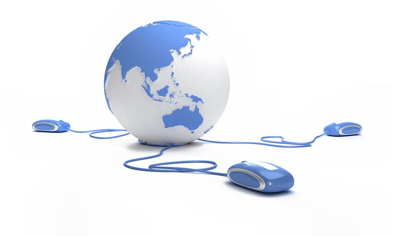Purchased Globe with mouse Fotolia_4724611_M